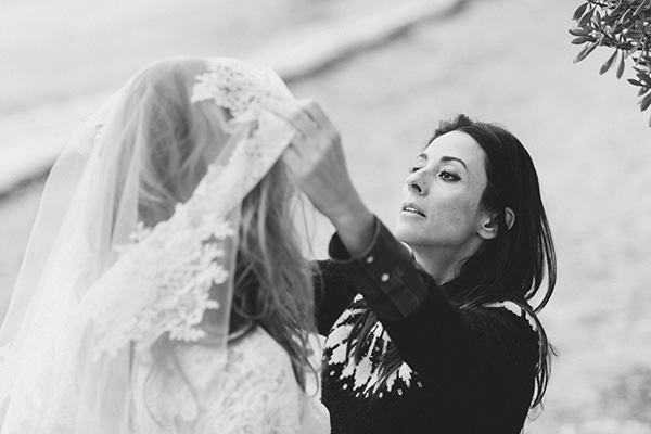 Dreamy-red-winter-bridal-shoot-beach-5