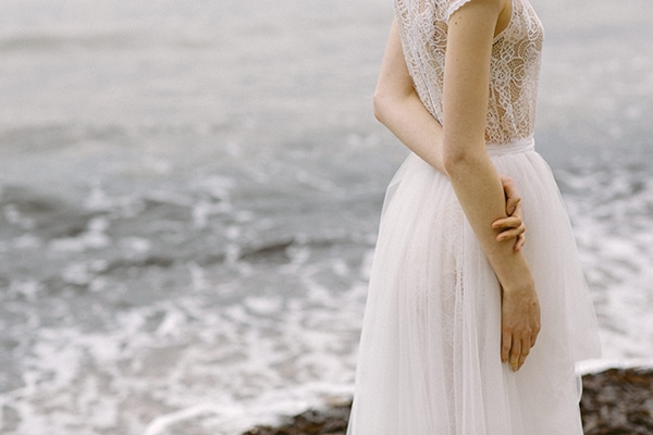 Dreamy-red-winter-bridal-shoot-beach-7