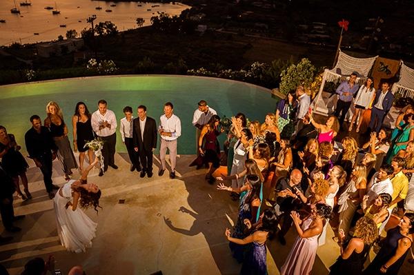 γαμηλιο-παρτυ-καλοακιρινος-γαμος-νησι