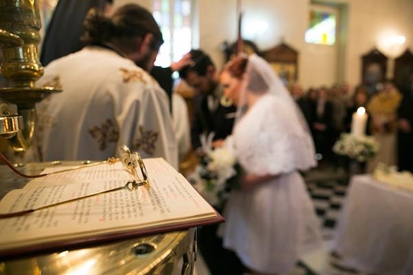 γαμος-στην-αθηνα-εκκλησια-3