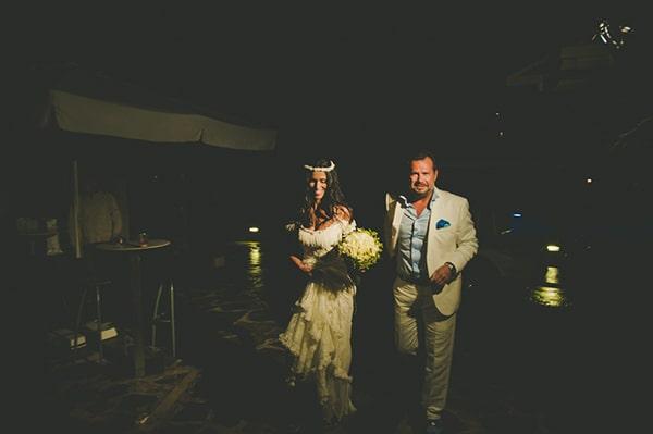 καλοκαιρινος-γαμος-παργα-νεονυμφοι