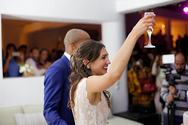 καλοκαιρινος-γαμος-στη-μυκονο-γαμηλια-δεξιωση-ζευγαρι