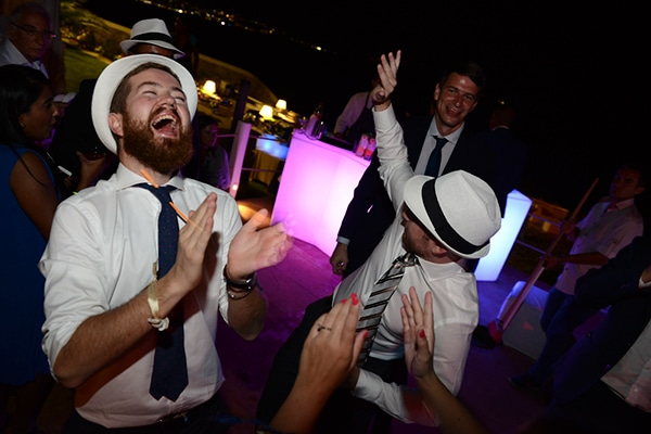 καλοκαιρινος-γαμος-στη-μυκονο-γαμηλια-δεξιωση-party-3
