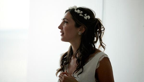 καλοκαιρινος-γαμος-στη-μυκονο-νυφη