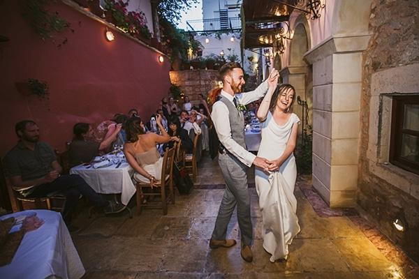 ρομαντικος-γαμος-στην-κρητη-χορος