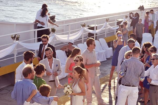 γαμος-σε-ferry-boat (2)