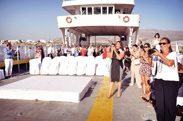 γαμος-σε-ferry-boat (4)