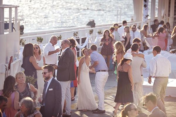 γαμος-σε-ferry-boat (5)