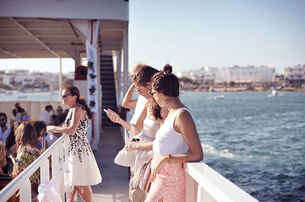 γαμος-σε-ferry-boat (7)
