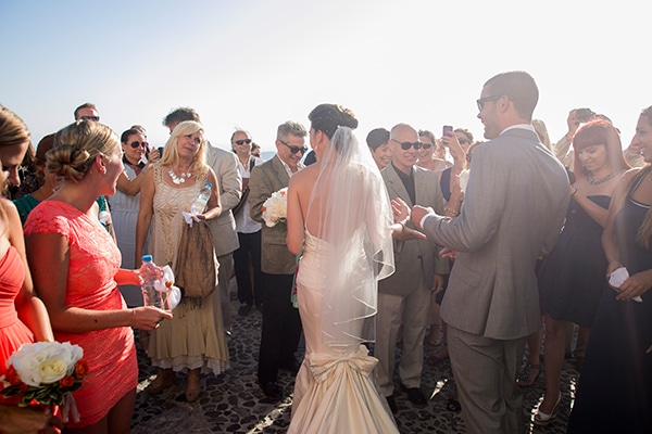 καλοκαιρινος-γαμος-στην-σαντορινη-τελετη