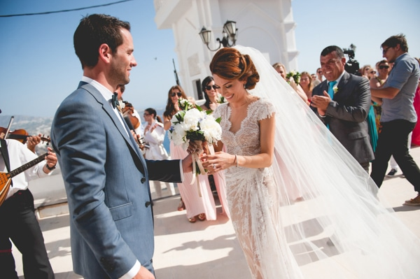 ab770fbd57c Chic γαμος στα χρωματα της θαλασσας στην Σαντορινη | Jessica ...