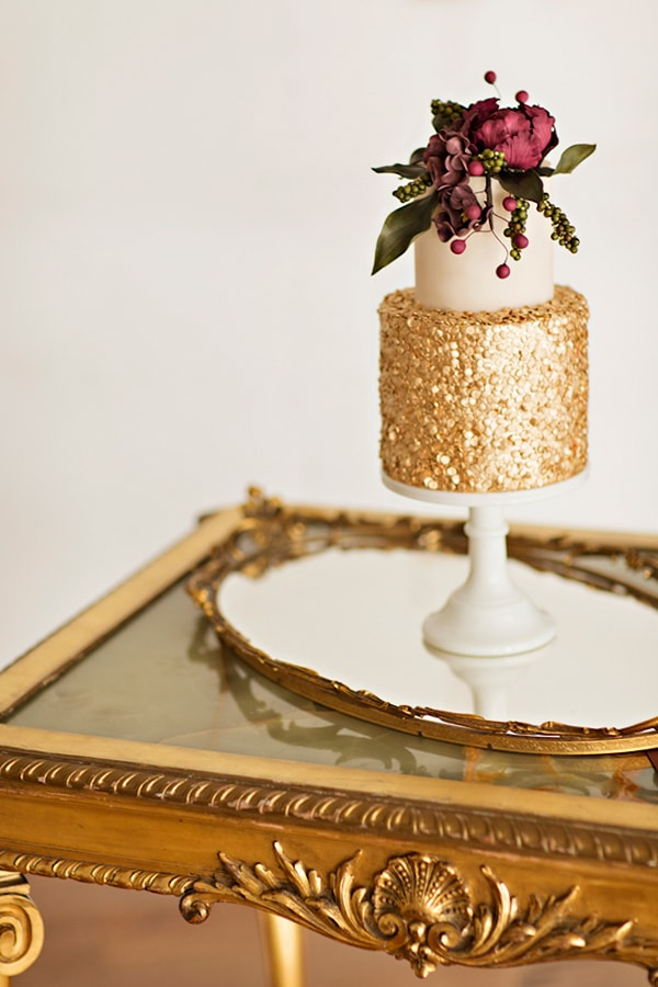 burgundy-wedding-cake