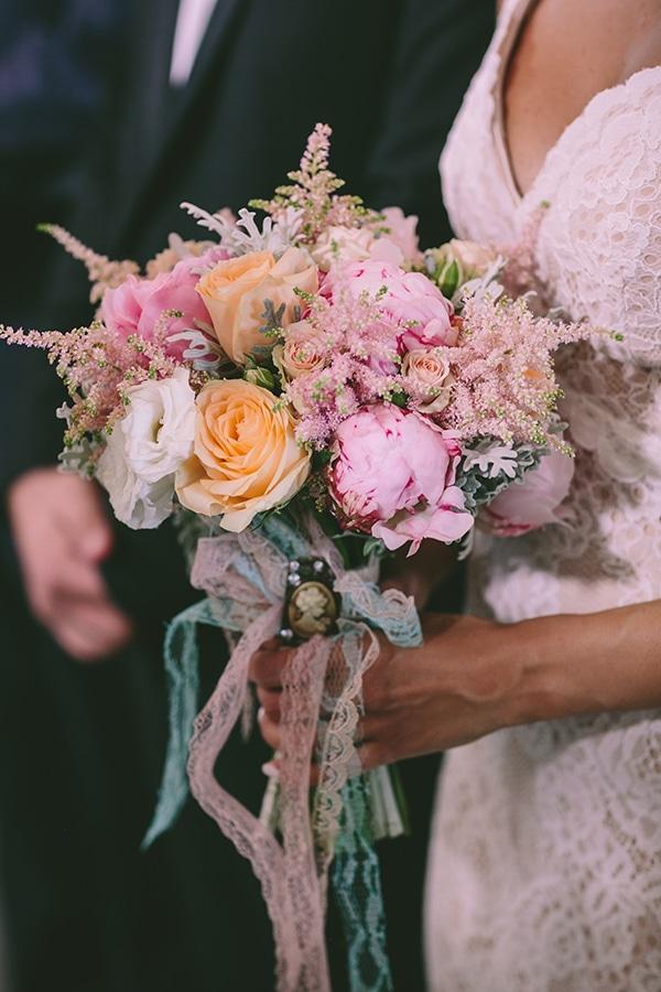 vintage-cameo-wedding-bouquet