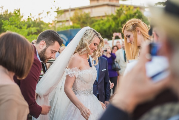 γαμος-στην-αθηνα-το-καλοκαιρι-νυφικο-galia-lahav