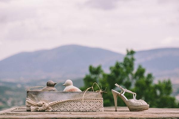 νυφικα-παπουτσια-Victoria-Kyriakides