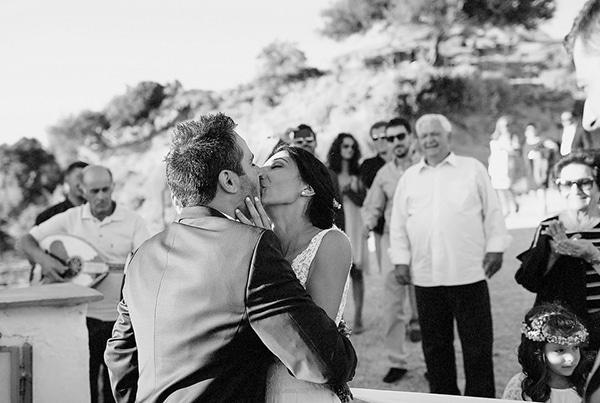 νυφικο-ζευγαρι-γαμος-στην-Ευβοια