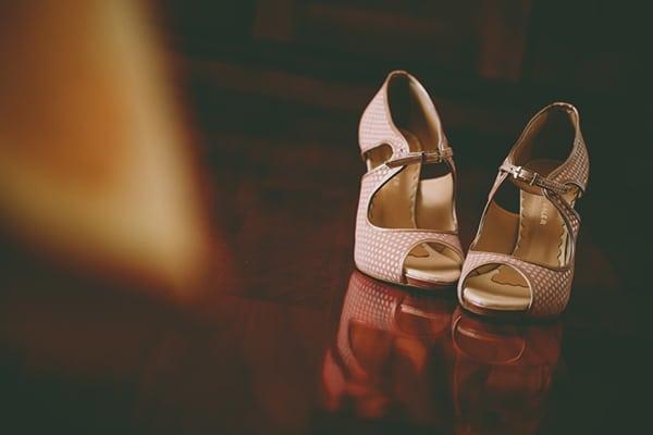 νυφικα-παπουτσια-Gabriela-Valeri