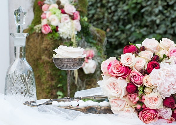 γαμος-κοκκινα-λουλουδια