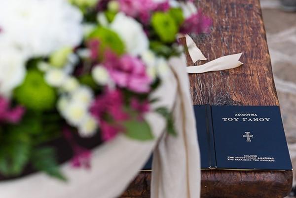μοβ-λουλουδια-γαμου