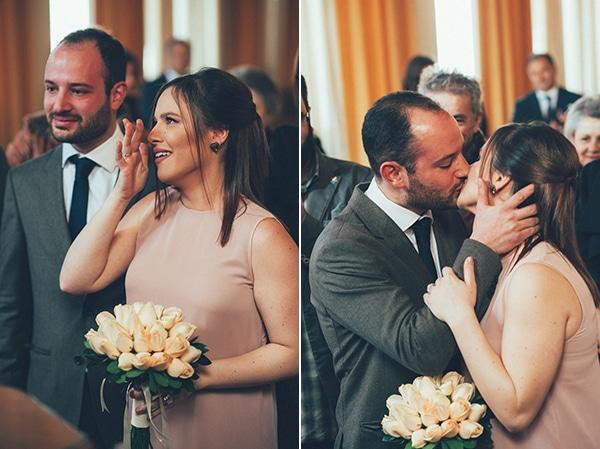 πολιτικος-γαμος-λουλουδια