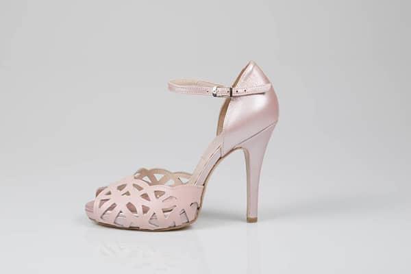 ροζ-νυφικες-γοβες