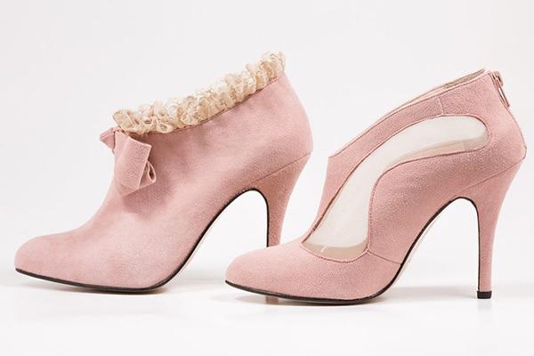 roz-nyfika-papoutsia