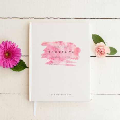 Μοντέρνο βιβλίων ευχών γάμου με ένα μοναδικό σχέδιο σε ροζ χρώμα
