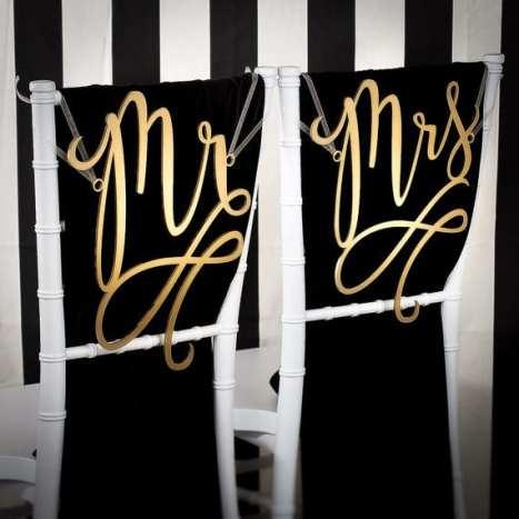 Mr & Mrs πινακίδες για τις καρέκλες του γαμπρού και της νύφης