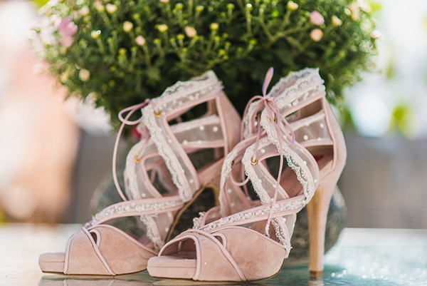 χειροποίητα νυφικά παπούτσια σε ροζ χρώμα