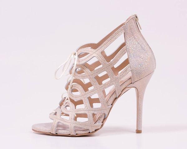 Ροζ παπουτσια νυφης