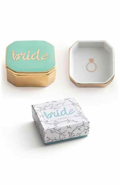 Πανέμορφη και elegant θήκη για τα δαχτυλίδια του γάμου σας