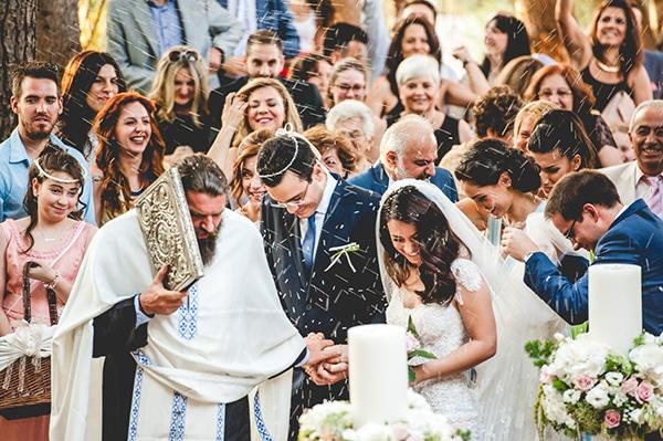 Elegant γαμος στο κτημα Νασιουτζικ  91c0a1a9ab5