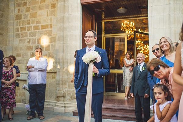 γαμπριατικο-κοστουμι-καλοκαιρινο-γαμο