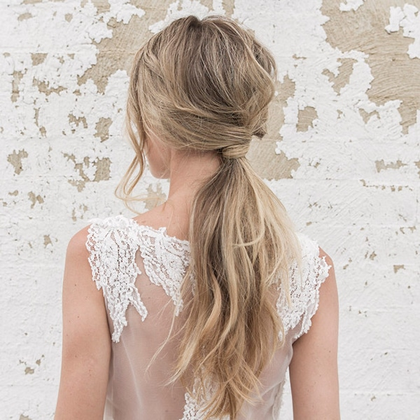 bridal-hairstyle-trends-2017-twisted-ponytale