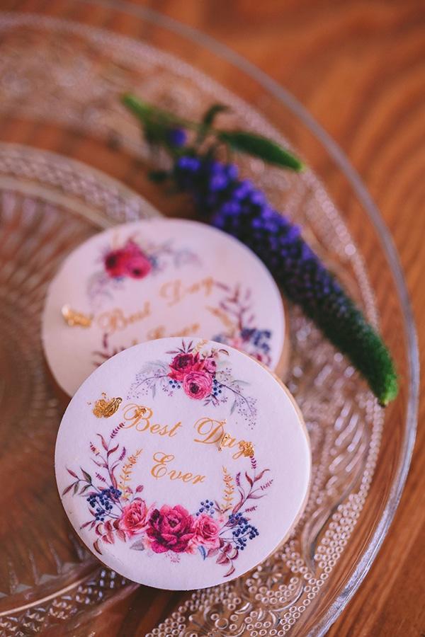 hand-painted-weding-cookies