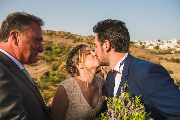 romantic-wedding-in-milos-45