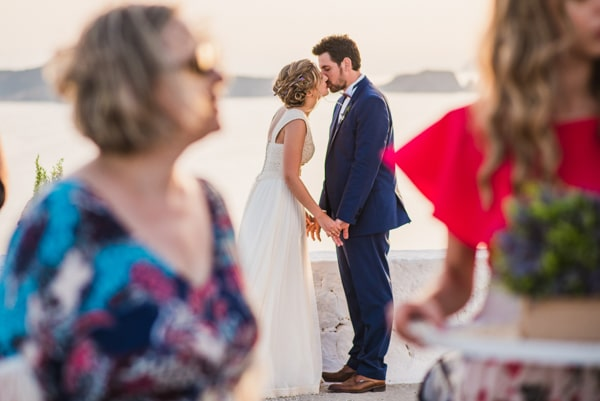 romantic-wedding-in-milos-59
