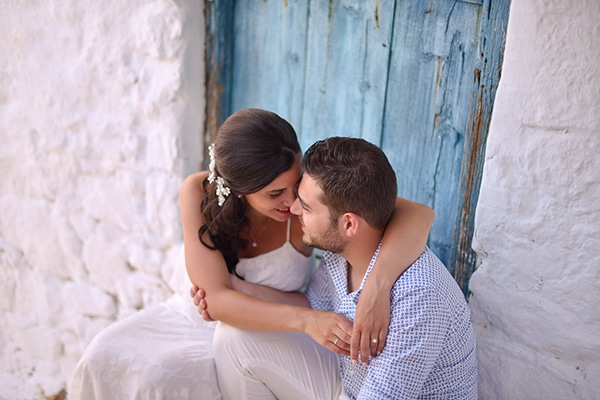 rustic-wedding-with-yellow-colors-in-amorgos-11