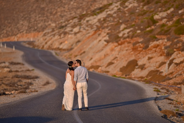 rustic-wedding-with-yellow-colors-in-amorgos-13