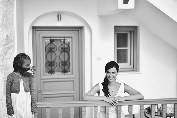 rustic-wedding-with-yellow-colors-in-amorgos-22