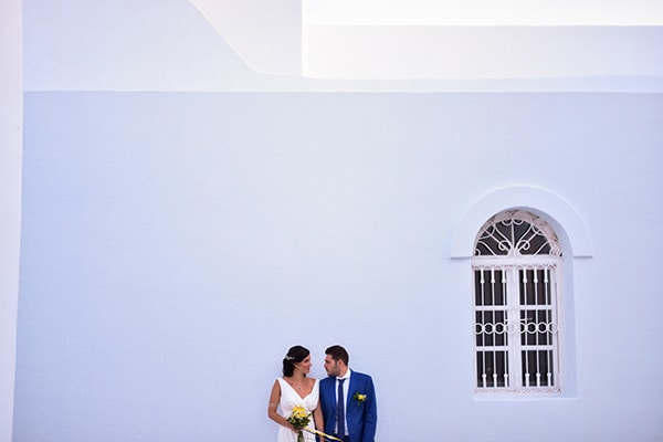 rustic-wedding-with-yellow-colors-in-amorgos-28