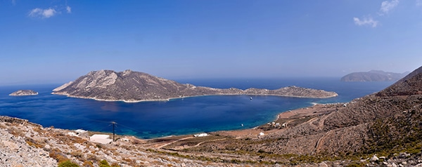 rustic-wedding-with-yellow-colors-in-amorgos-5