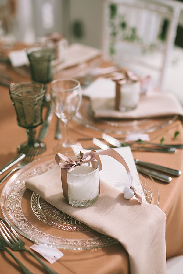 white-coral-wedding-inspiration (3)