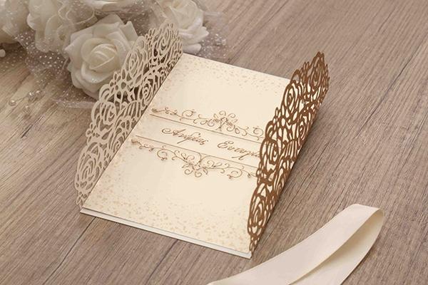 lasercut-wedding-invitations-glitter-2