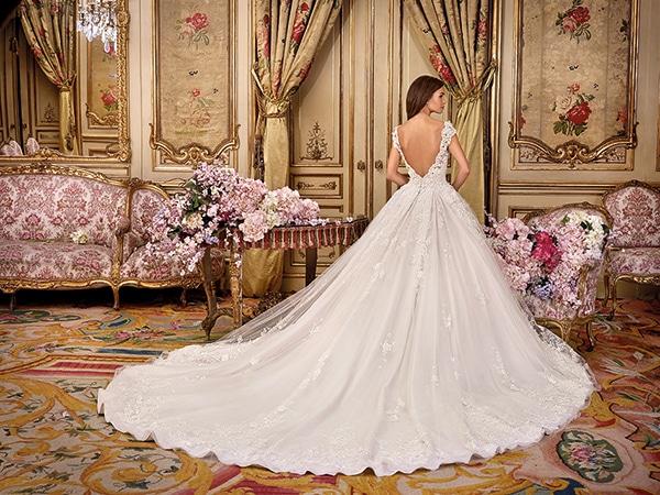 57c48228c85 Υπεροχα νυφικα φορεματα Demetrios - Love4Weddings