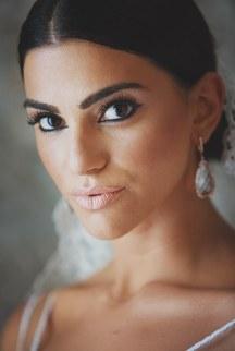 Νυφικο μακιγιαζ για μελαχρινη νυφη