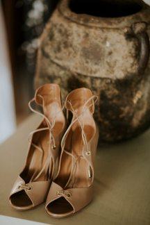 Νυφικα παπουτσια με κορδονακια
