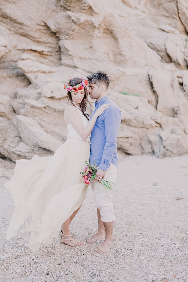 colorful-engagement-shoot-in-mykonos-6-2