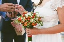 Ανθοδεσμη για γαμο σε νησι