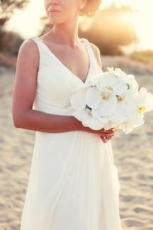 Νυφικη ανθοδεσμη για γαμο στην παραλια
